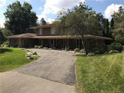 Dearborn Single Family Home For Sale: 22 W Lane Court