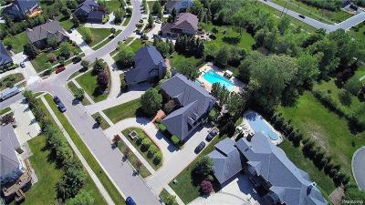 West Bloomfield Twp Single Family Home For Sale: 6704 Watercroft Court