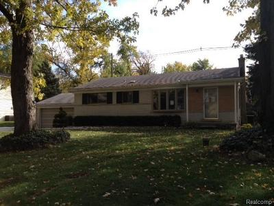 West Bloomfield, West Bloomfield Twp Single Family Home For Sale: 7275 Crestmore Street