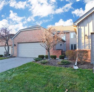 Farmington Hills Condo/Townhouse For Sale: 37742 Amber Drive
