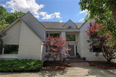 West Bloomfield, West Bloomfield Twp Single Family Home For Sale: 6015 Oak Trail