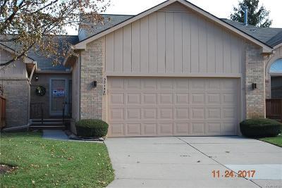 Farmington Hills Condo/Townhouse For Sale: 35148 White Pine Trail