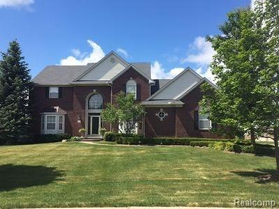 Oakland Twp Single Family Home For Sale: 77 Londonderry Lane