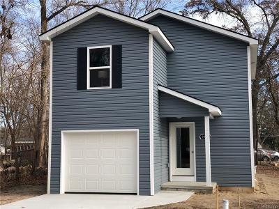 Single Family Home For Sale: 9475 Beechcrest Street