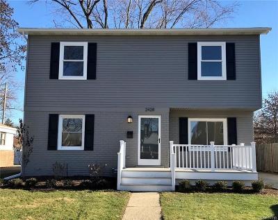 Berkley Single Family Home For Sale: 2428 Ellwood Avenue