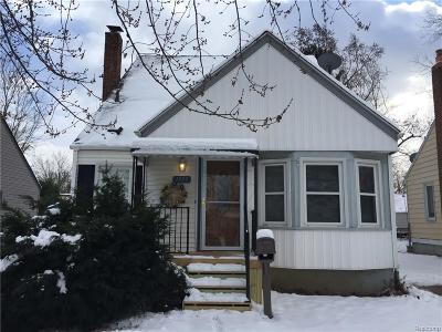 Berkley Single Family Home For Sale: 1939 Harvard Road