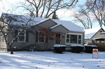 Clawson Single Family Home For Sale: 478 Parkland