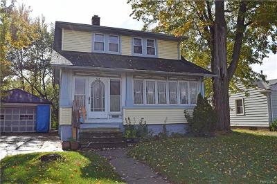 Royal Oak Single Family Home For Sale: 134 E Thirteen Mile Road