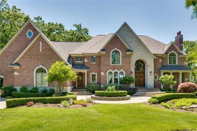 Single Family Home For Sale: 8203 Avington Court