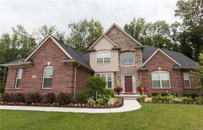 Single Family Home For Sale: 0127 Pinemeadow Court