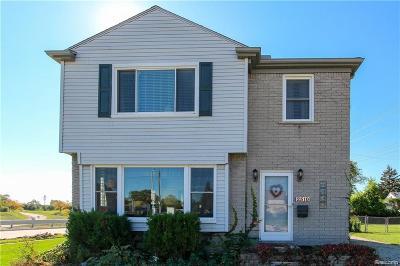 Royal Oak MI Single Family Home For Sale: $274,900