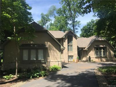 West Bloomfield, West Bloomfield Twp Single Family Home For Sale: 3550 Oakleaf Drive