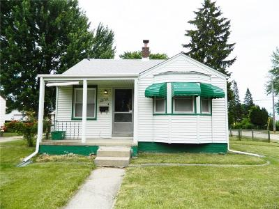 Roseville MI Single Family Home For Sale: $89,900