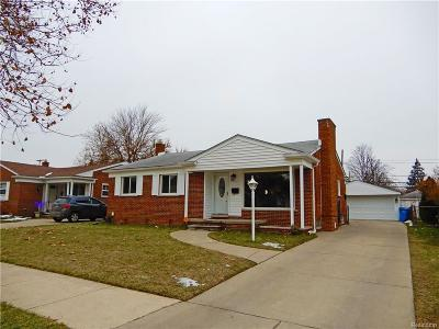 Dearborn Heights Single Family Home For Sale: 5675 N Charlesworth Street