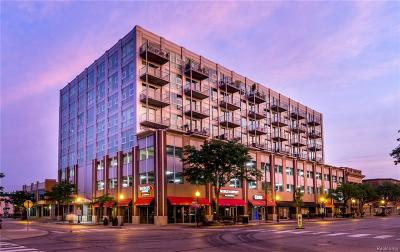 Royal Oak Condo/Townhouse For Sale: 100 W 5th Street #505