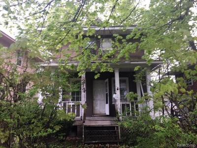 Pontiac Single Family Home For Sale: 212 Oliver Street
