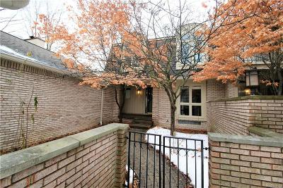 Bloomfield Twp Condo/Townhouse For Sale: 1168 Glenpointe Court