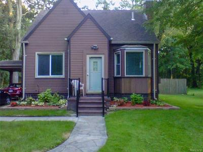 Southfield Single Family Home For Sale: 23775 Sargent Avenue