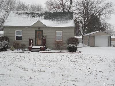 Trenton Single Family Home For Sale: 3107 Lafayette Drive