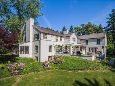 Bloomfield Hills Single Family Home For Sale: 490 Martell Drive