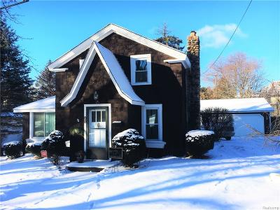 City Of The Vlg Of Clarkston, Clarkston, Independence, Independence Twp Single Family Home For Sale: 68 Buffalo Street