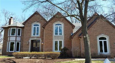 Rochester Single Family Home For Sale: 1632 Wakefield Court