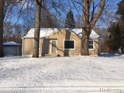 Livonia, Farmington, Farmington Hills, Northville Twp, Novi Single Family Home For Sale: 33976 Wadsworth