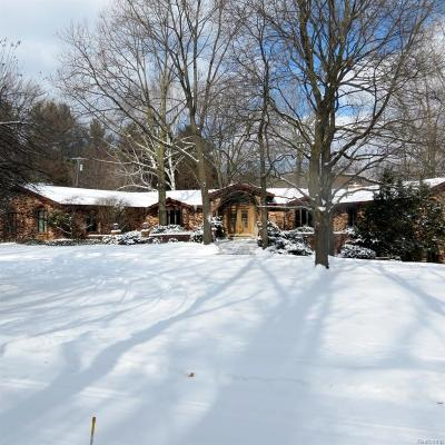 Oakland County Single Family Home For Sale: 790 Brantford Road