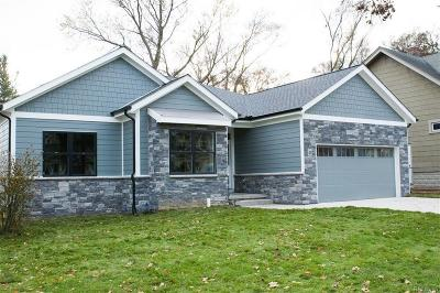 Macomb County, Oakland County Single Family Home For Sale: 020 Deer Ridge