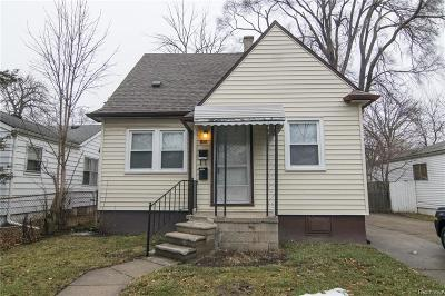 Hazel Park Single Family Home For Sale: 160 W Milton Avenue