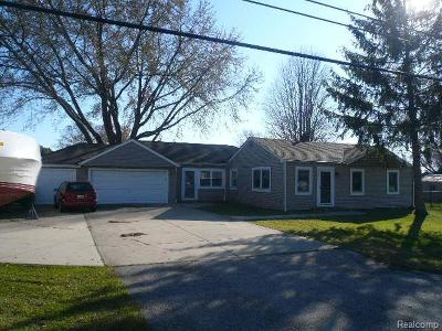 St Clair Shores, Roseville, Fraser, Harrison Twp Single Family Home For Sale: 39240 E Archer