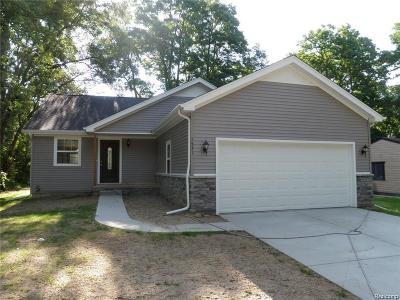 Macomb County, Oakland County Single Family Home For Sale: 7010 Big Trail