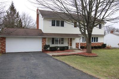 Wixom Single Family Home For Sale: 3175 Branch Drive