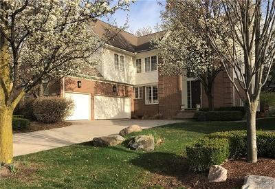 Rochester, Rochester Hills Single Family Home For Sale: 1311 Kentfield Drive