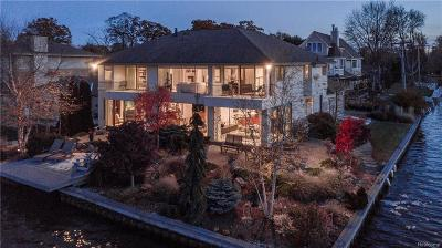 Keego Harbor, Sylvan Lake Single Family Home For Sale: 2714 Island Court