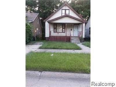 Macomb County, Oakland County, Wayne County Single Family Home For Sale: 9937 Decatur Street