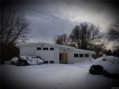 West Bloomfield Twp Single Family Home For Sale: 7257 Pebblecreek Road