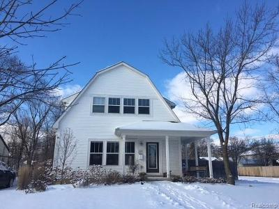 Royal Oak Single Family Home For Sale: 4259 Hampton Boulevard