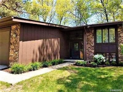 West Bloomfield, West Bloomfield Twp Condo/Townhouse For Sale: 6511 Blue Spruce Court