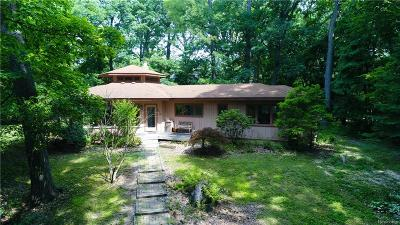 Bloomfield Twp Single Family Home For Sale: 210 S Berkshire Road