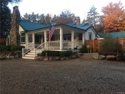 Lapeer County Single Family Home For Sale: 5820 Hempstead Road