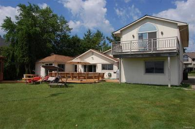 West Bloomfield Twp Single Family Home For Sale: 1875 Windside