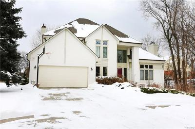 West Bloomfield Twp MI Single Family Home For Sale: $424,999