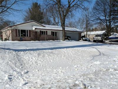 City Of The Vlg Of Clarkston, Clarkston, Independence Twp Single Family Home For Sale: 6645 Almond Lane