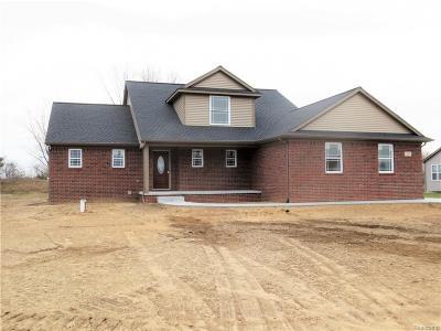 Brandon Twp Single Family Home For Sale: 333 Corkwood