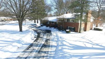 Bloomfield Twp Single Family Home For Sale: 3680 Middlebury Lane