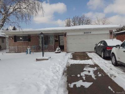 Sterling Heights MI Single Family Home For Sale: $209,000