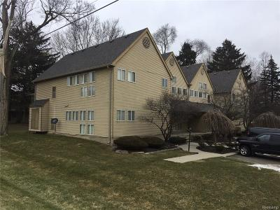 Farmington Hills Condo/Townhouse For Sale: 27971 Rollcrest Road