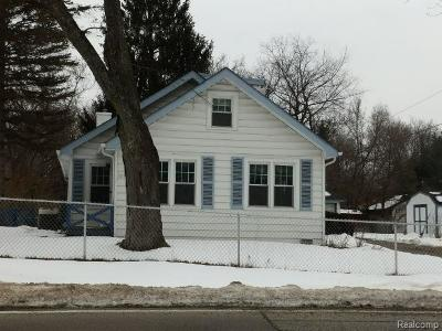 West Bloomfield Twp Single Family Home For Sale: 7059 Richardson Road