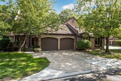 Dearborn Single Family Home For Sale: 5121 Woodview Court